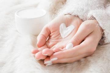 Mẹo dưỡng ẩm cho da khô mùa đông